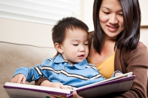 reading to toddler (c) Arekmalang | Dreamstime.com