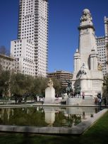 Madrid_Plaza_de_Espana_by Superchilum wikimedia commons