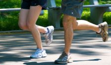 Jogging_couple_-_legs by sillyfolkboy wikimedia commons